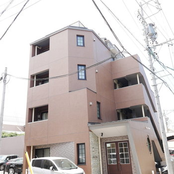 築浅のきれいな外観のマンション