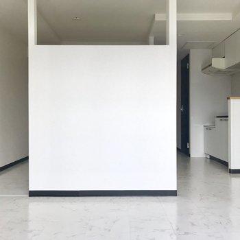 真ん中に白の箱