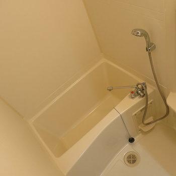 とっても綺麗なお風呂!※写真は同間取り別部屋のものです。