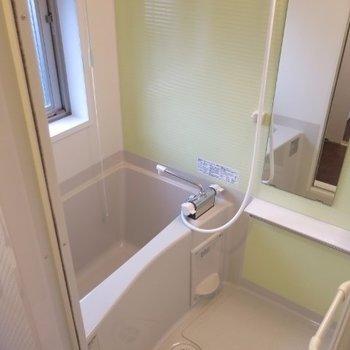お風呂も綺麗※写真は同間取り別部屋のものです。