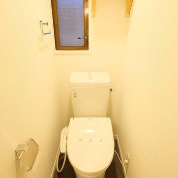 トイレも個室でウォシュレット◎