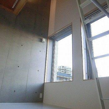 階段からの眺め。※一部反転同間取り別部屋の写真です