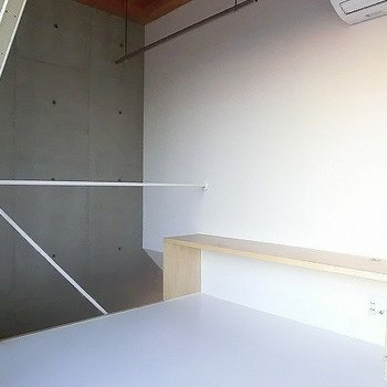 3階にはテレビ台が。※一部反転同間取り別部屋の写真です