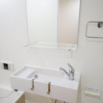 洗面台もオシャレなデザイン。※前回募集時の写真です