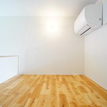 ロフトはこちら。エアコンがここなのがポイント。※前回募集時の写真です