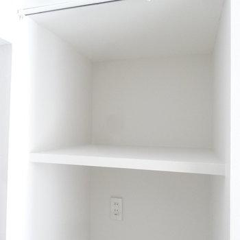 棚にはAesopとか置きたい。カーテンレールもついているので目隠しもできちゃう。(写真は同じ間取りの4階のお部屋のものです)