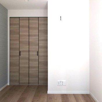 収納スペースしっかりありますよ!※写真は3階の反転間取り別部屋のものです。
