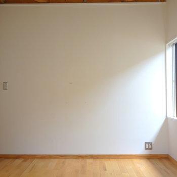 二面採光で明るいお部屋です。 ※写真は前回募集時のものです