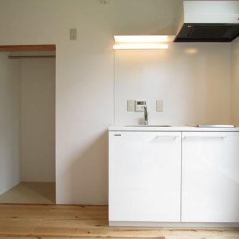 収納となりはキッチン※写真は前回募集時のものです