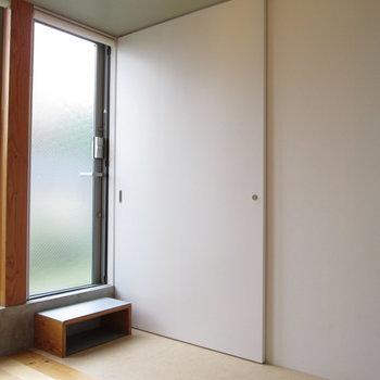 キッチン向かいの扉を開けると〜※写真は前回募集時のものです