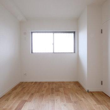 4.5帖の寝室には・・・