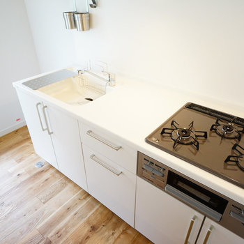 【イメージ】キッチンは3口、グリル付き