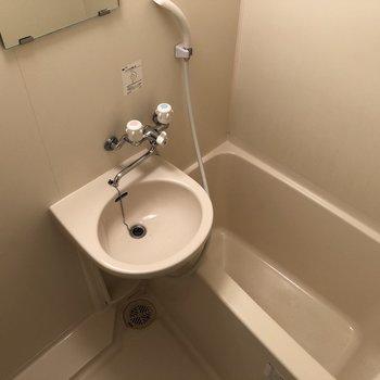 水回りは2点ユニットでお掃除スイスイ。