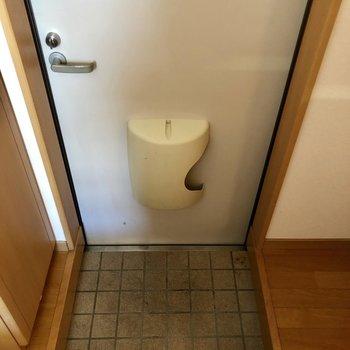 玄関のたたきはコンパクト。