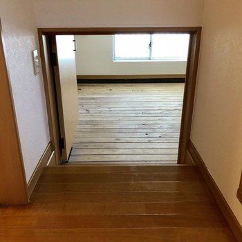 玄関の奥に謎空間が…!