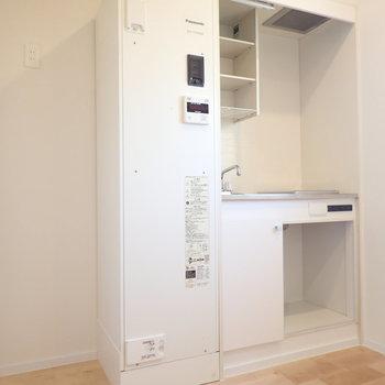 ミニキッチンですが、冷蔵庫置けます!※写真は前回募集時のものです