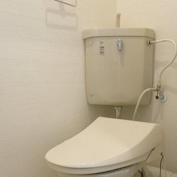 トイレは割りとシンプルめ!
