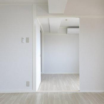 リビングと寝室はスライドドアでしきれます!