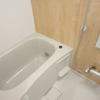 追い焚き付きのお風呂は新品です!※同間取り別部屋の写真です。