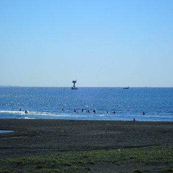 家から徒歩5分ほどで海!