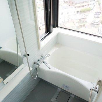 そして!まるで露天風呂の様な浴槽は風が気持ちいいいい!!!※写真は前回募集時のものです