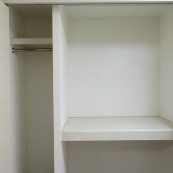 収納1※写真は反転間取り別部屋のものです。