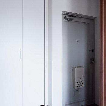 玄関ゆったりですね。