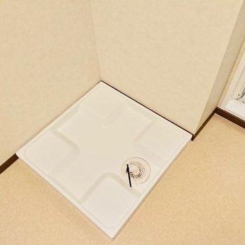 脱衣所に洗濯機※3階別部屋反転似た間取りの写真です。