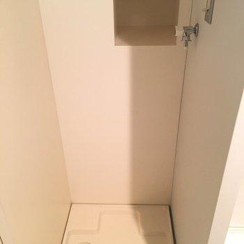 洗濯機置き場は水回りエリア手前!!※同階同間取りの別部屋の写真です