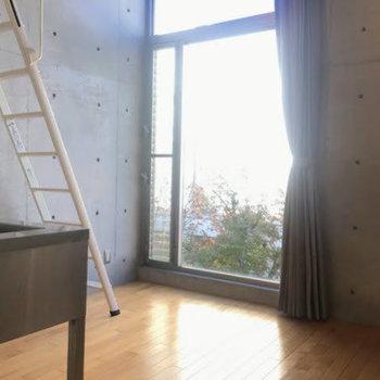日光浴で健康になりましょう※同階同間取りの別部屋の写真です