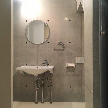 水回りは1階にまとまってます!洗面台の見か出し感すごく良いい!※同階同間取りの別部屋の写真です