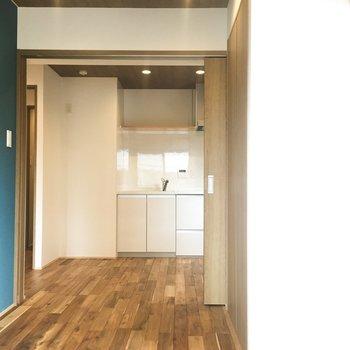 洋室とキッチンは仕切れます◎【4.5帖】