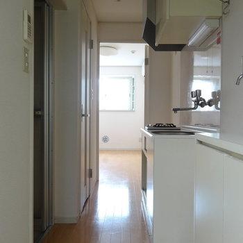 洗濯機を置くイメージをもって※1階の反転間取り別部屋の写真