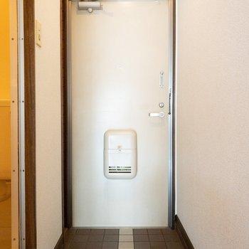 十分な広さの玄関。 (※写真は3階の同間取り別部屋のものです)