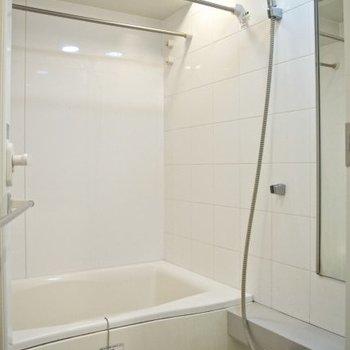 キレイなお風呂※写真は同間取り別部屋のものです