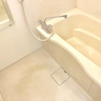 お風呂も広々です。