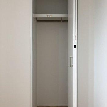 【洋室3.8畳】反対側にはクローゼットもありますよ〜 ※写真は前回募集時のものです