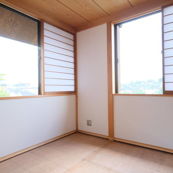 さぁ2階のお部屋へ。新しい畳が入って和室になります!
