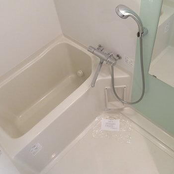 浴室も清潔感あっていいですね!