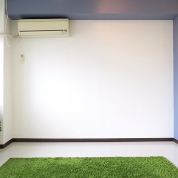 真っ白の壁と床!