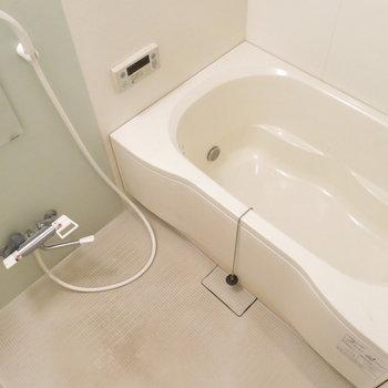浴室も大きくていいな!