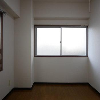 洋室は5.5帖あるのでダブルベッドも置けます!