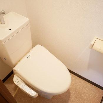 トイレもきれいでウォシュレットがついています