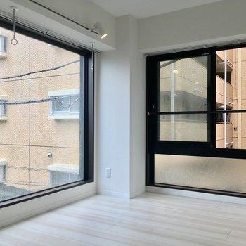 居室はなんと大きな窓の2面採光◎