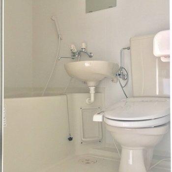 バスルームはキッチンから直通