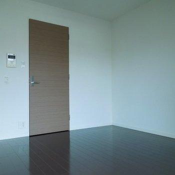 横幅ひろいおへやです  ※写真は10階の同間取りのお部屋です。