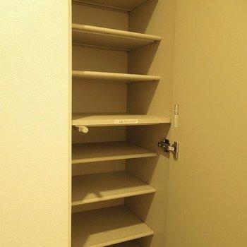 シューズボックスも大きくて◎  ※写真は10階の同間取りのお部屋です。