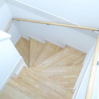 ぐるっとまわる階段!