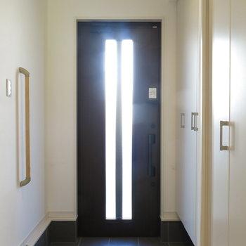 玄関にも光が入ります!
