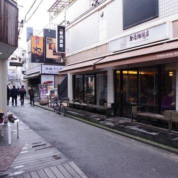 路地にあったカフェ